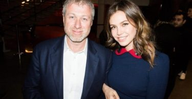 Dasha Zhukova - 10 Beautiful Wives Of World Famous Billionaires