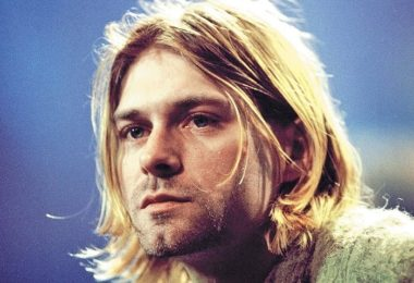 Kurt Cobain - Famous Musicians Who Committed Suicide